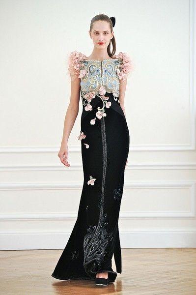 Clothing, Shoulder, Dress, Joint, Waist, Formal wear, Style, One-piece garment, Fashion model, Floor,