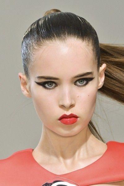 Head, Ear, Lip, Cheek, Mouth, Hairstyle, Chin, Forehead, Eyelash, Eyebrow,