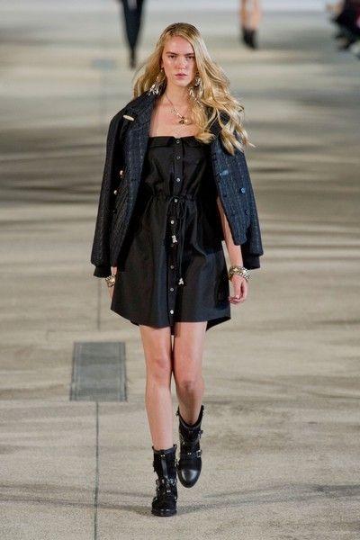 Clothing, Sleeve, Joint, Outerwear, Dress, Style, Fashion show, Street fashion, Fashion model, Knee,