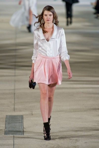 Clothing, Mouth, Sleeve, Human leg, Joint, Outerwear, Pink, Style, Street fashion, Fashion show,