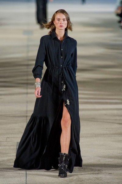 Clothing, Outerwear, Style, Formal wear, Street fashion, Fashion model, Dress, Fashion show, Fashion, High heels,