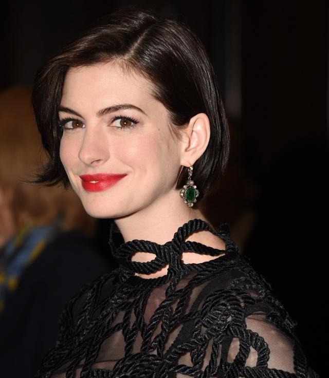 Anne Hathaway 35 Tagli Di Capelli Della Star De Lo Stagista Inaspettato
