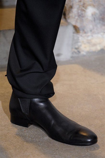 Footwear, Brown, Fashion, Black, Leather, Beige, Tan, Dress shoe, High heels, Velvet,