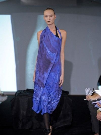 Leg, Blue, Shoe, Human body, Shoulder, Dress, Human leg, Joint, Style, One-piece garment,