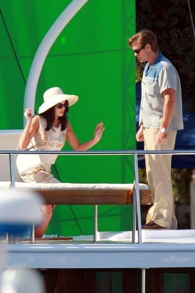 Green, Hat, Sun hat, Conversation, Cowboy hat, Fedora,
