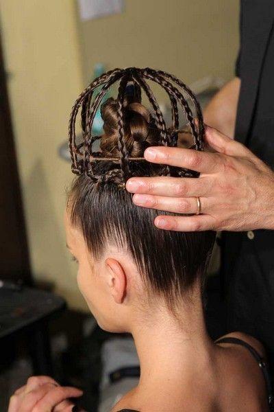 Ear, Hairstyle, Forehead, Hair accessory, Style, Temple, Eyelash, Braid, Nail, Beauty salon,