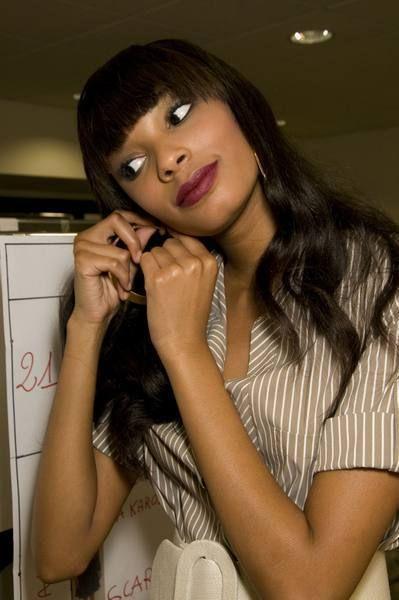 Finger, Lip, Hairstyle, Shoulder, Eyebrow, Hand, Eyelash, Elbow, Black hair, Wrist,