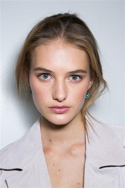 Lip, Cheek, Hairstyle, Skin, Eye, Chin, Collar, Forehead, Shoulder, Eyebrow,