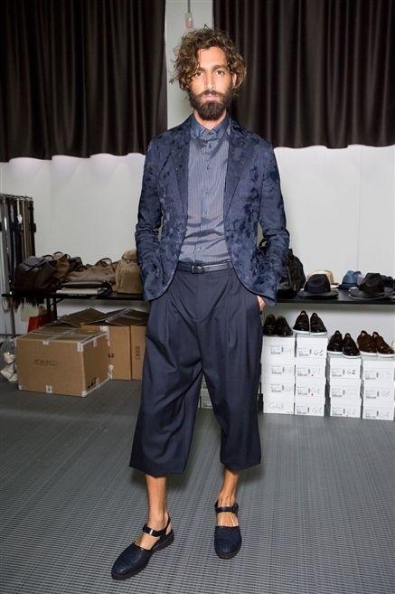 Textile, Bag, Style, Dress shirt, Curtain, Slipper, Fashion, Luggage and bags, Facial hair, Sandal,