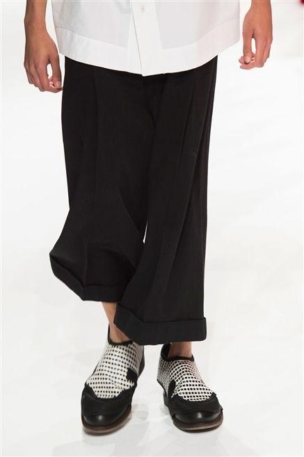 Sleeve, Textile, Joint, White, Style, Waist, Fashion, Black, Pattern, Beige,
