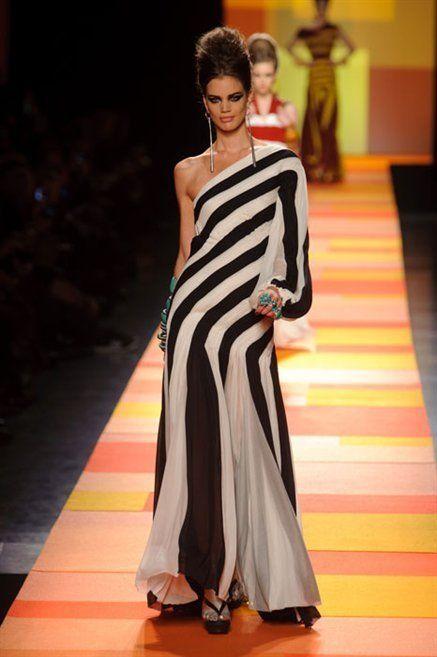 Dress, Shoulder, Flooring, Formal wear, Style, Fashion model, One-piece garment, Fashion, Fashion show, Youth,