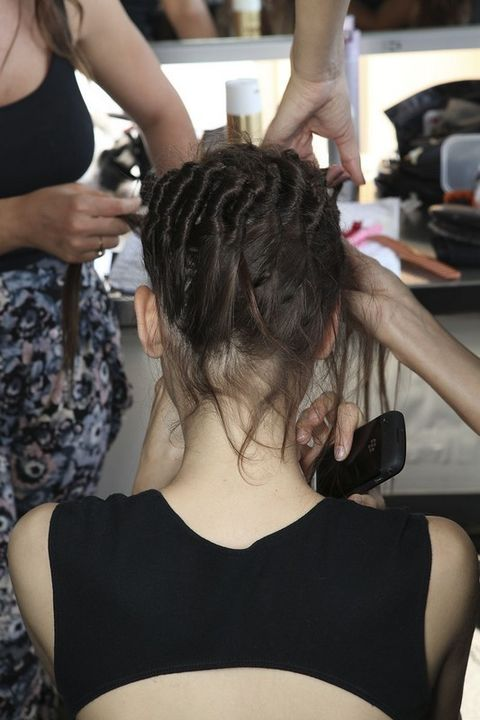 Hairstyle, Shoulder, Beauty salon, Style, Hairdresser, Fashion, Neck, Back, Hair coloring, Personal grooming,