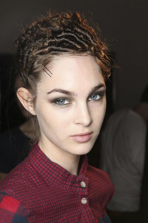 Nose, Lip, Cheek, Hairstyle, Collar, Chin, Forehead, Eyebrow, Plaid, Eyelash,