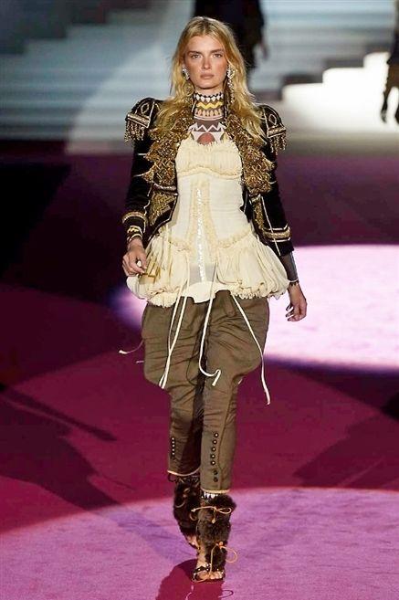 Human body, Fashion show, Joint, Style, Fashion model, Runway, Thigh, Fashion accessory, Fashion, Waist,