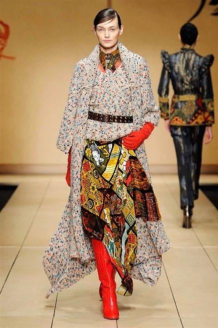 Clothing, Leg, Sleeve, Textile, Pattern, Style, Floor, Carmine, Fashion, Fashion show,