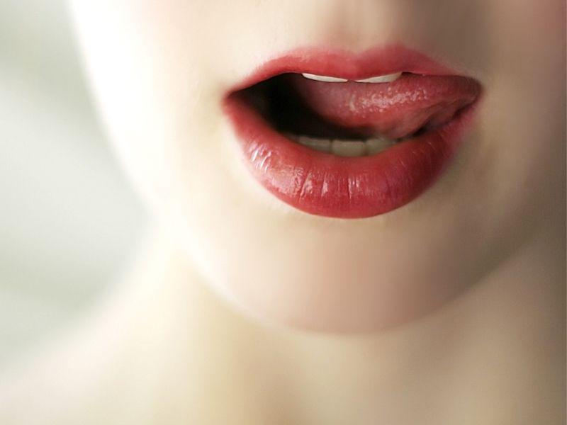 10 mosse per fare impazzire il tuo lui (e sentirti estremamente sensuale)