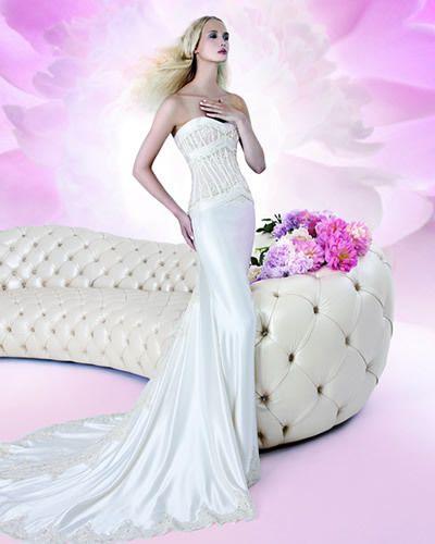 Clothing, Human, Hairstyle, Shoulder, Purple, Textile, White, Dress, Petal, Pink,