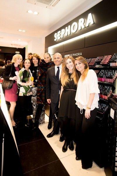 Product, Formal wear, Fashion, Retail, Shelf, Suit trousers, Customer, Fashion design, Hall, Little black dress,