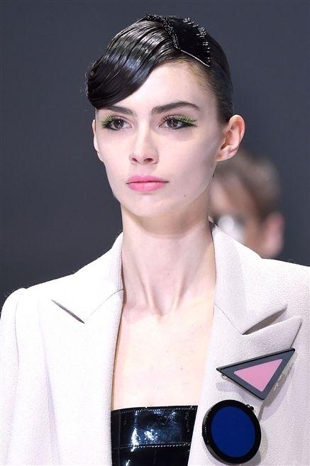 Ear, Lip, Hairstyle, Chin, Forehead, Collar, Eyebrow, Eyelash, Style, Blazer,