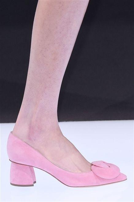 Skin, Human leg, Joint, Pink, Magenta, High heels, Foot, Tan, Sandal, Peach,