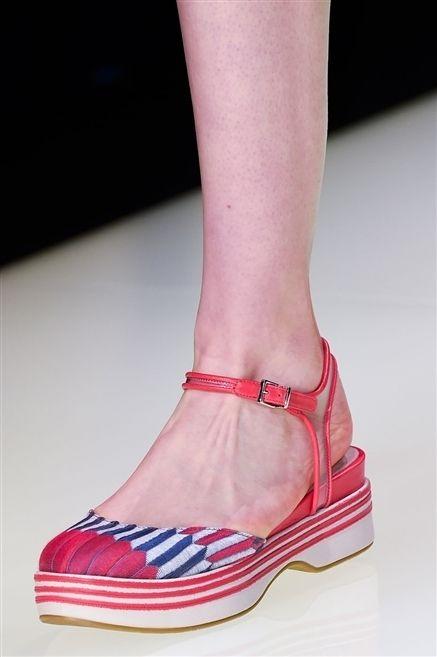 Human leg, Joint, Red, Pink, Carmine, Fashion, Magenta, Foot, Close-up, Fashion design,
