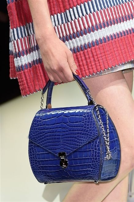 Blue, Bag, Red, Pattern, Joint, Style, Fashion accessory, Electric blue, Shoulder bag, Fashion,