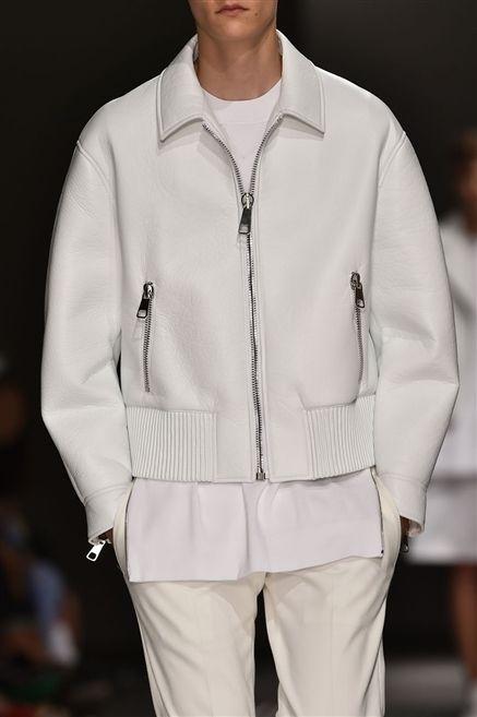 Clothing, Collar, Sleeve, Textile, Outerwear, White, Fashion, Pocket, Street fashion, Beige,
