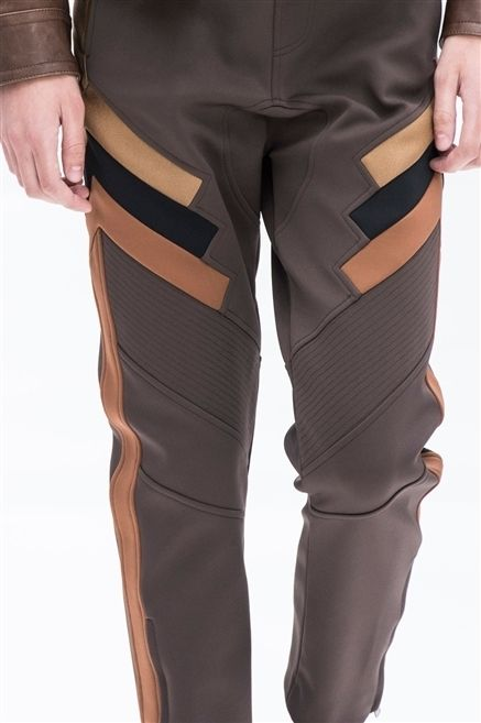 Brown, Sleeve, Joint, Standing, Fashion, Muscle, Tan, Waist, Pocket, Tights,