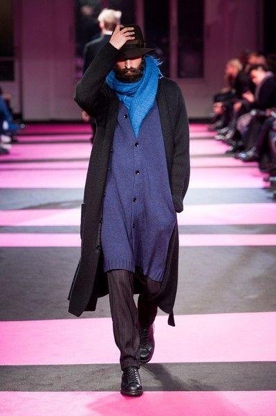 Coat, Outerwear, Winter, Style, Street fashion, Purple, Fashion show, Jacket, Fashion, Fashion model,