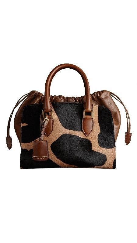 Brown, Product, Bag, White, Style, Fashion accessory, Tan, Shoulder bag, Leather, Luggage and bags,