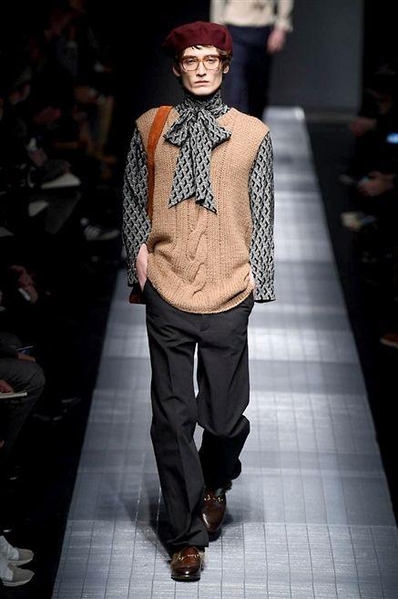 Clothing, Fashion show, Shoe, Outerwear, Runway, Style, Fashion model, Street fashion, Fashion, Model,
