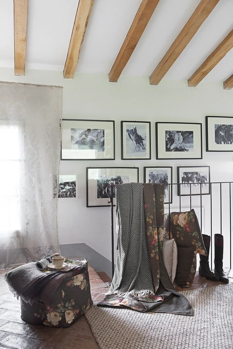 Room, Interior design, Ceiling, Wall, Interior design, Bag, Luggage and bags, Picture frame, Linens, Home accessories,