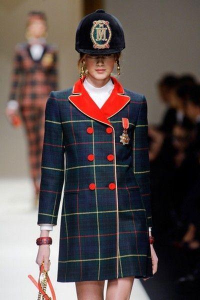 Plaid, Sleeve, Pattern, Coat, Tartan, Textile, Joint, Outerwear, Red, Uniform,