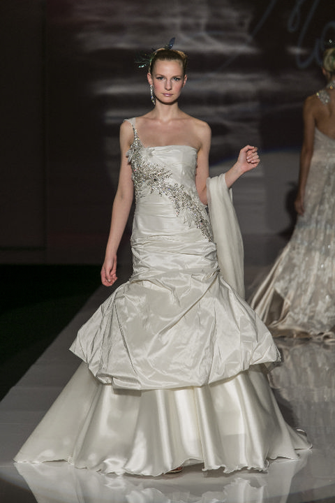 Clothing, Dress, Shoulder, Gown, Textile, Bridal clothing, Formal wear, Wedding dress, Style, Strapless dress,