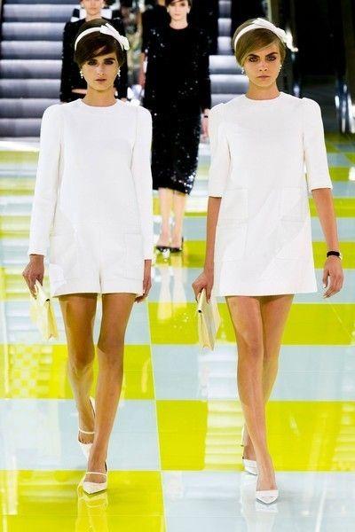 Leg, Yellow, Sleeve, Dress, Shoulder, Joint, White, Human leg, Formal wear, Style,