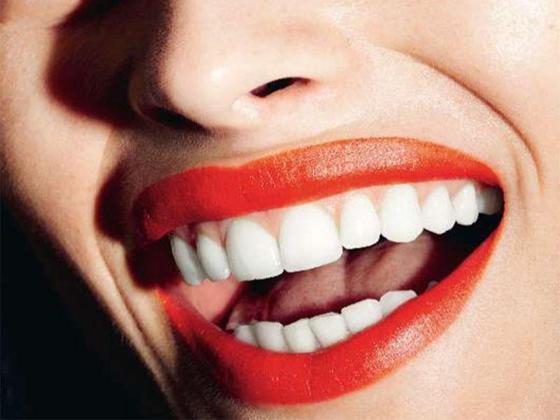 Denti bianchi: 6 consigli per un sorriso smagliante