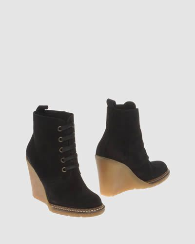 Footwear, Brown, Product, Shoe, Boot, Tan, Leather, Black, Beige, Brand,