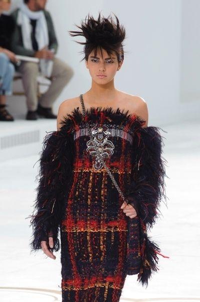 Hairstyle, Human body, Shoulder, Textile, Fashion show, Style, Fashion model, Fashion, Bangs, Model,