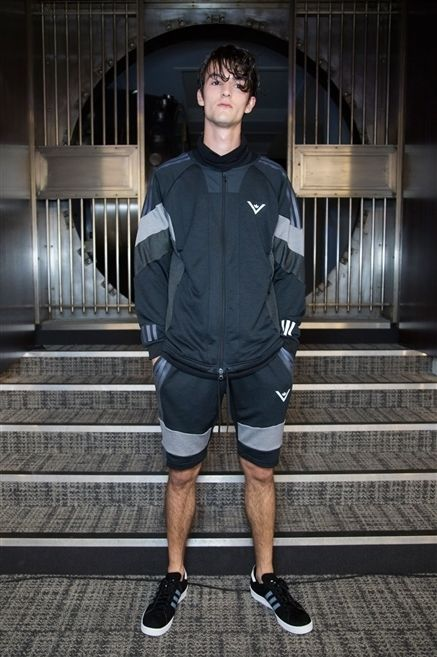 Clothing, Leg, Sleeve, Shoe, Human leg, Stairs, Standing, Outerwear, Style, Shorts,
