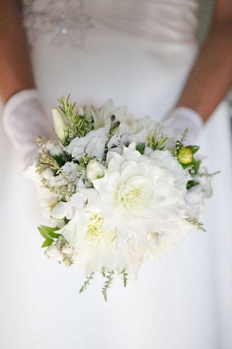 Petal, Flower, White, Bouquet, Cut flowers, Botany, Flowering plant, Floristry, Flower Arranging, Floral design,
