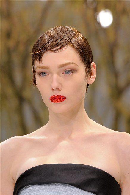Head, Ear, Lip, Hairstyle, Shoulder, Eyebrow, Joint, Eyelash, Strapless dress, Jaw,