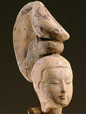 Artifact, Sculpture, History, Ancient history, Carving, Creative arts, Statue, Anthropology, Stone carving, Fossil,