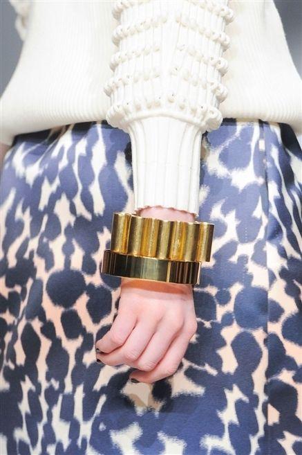 Pattern, Wrist, Beige, Nail, Brass, Cuff, Natural material, Strap, Bracelet, Button,