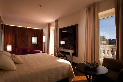 Room, Bed, Interior design, Property, Textile, Furniture, Floor, Wall, Ceiling, Bedroom,