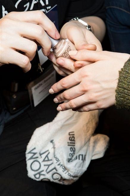 Finger, Wrist, Hand, Nail, Thumb, Bracelet, Gesture,