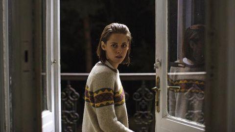 Sweater, Long-sleeved t-shirt, Street fashion, Woolen, Portrait photography, Portrait,