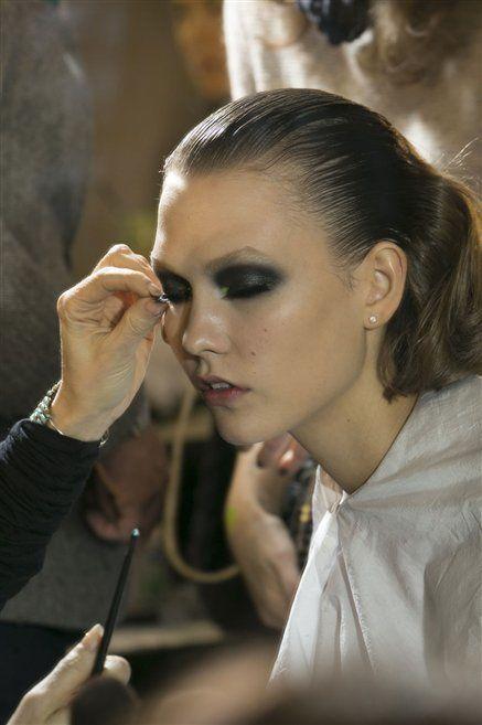Hair, Head, Finger, Hairstyle, Skin, Eyebrow, Eyelash, Jewellery, Wrist, Beauty,