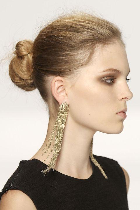 Hair, Head, Ear, Earrings, Hairstyle, Chin, Forehead, Eyebrow, Eyelash, Style,