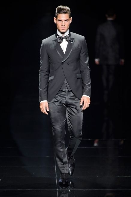 Coat, Collar, Sleeve, Trousers, Dress shirt, Shirt, Standing, Outerwear, Formal wear, Suit trousers,