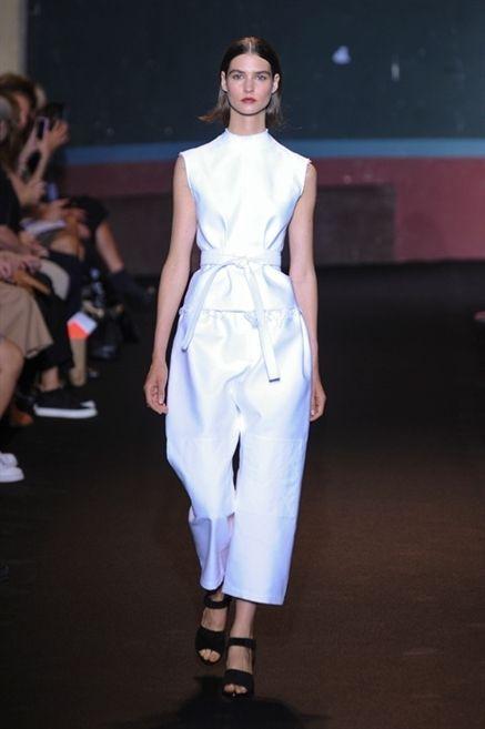 Clothing, Fashion show, Dress, Shoulder, Joint, Runway, Fashion model, Style, Fashion, Youth,